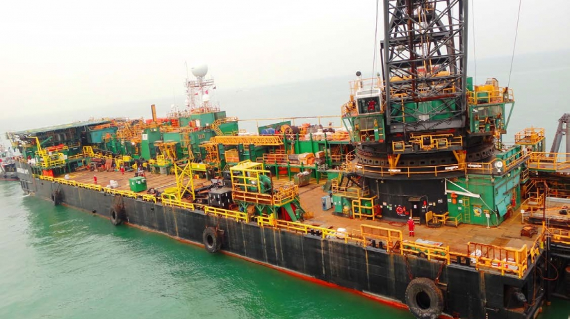 Derrick Pipelay Barge For Sale Ref-1246