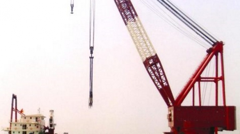 1000-Tons-Floating-Crane-for-Sale-or-Charter-Ref-1321-730x410