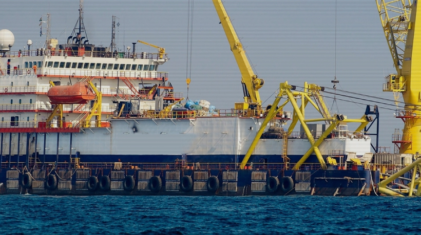 Pipelay-Barge-For-Sale