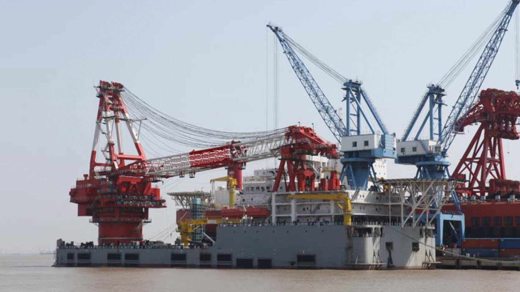 2000T-Full-Revolving-Crane-Barge-For-Sale-File3